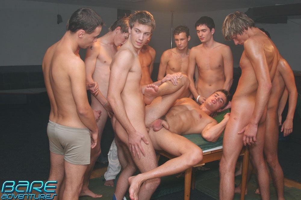 Мужская групповая мастурбация смотреть