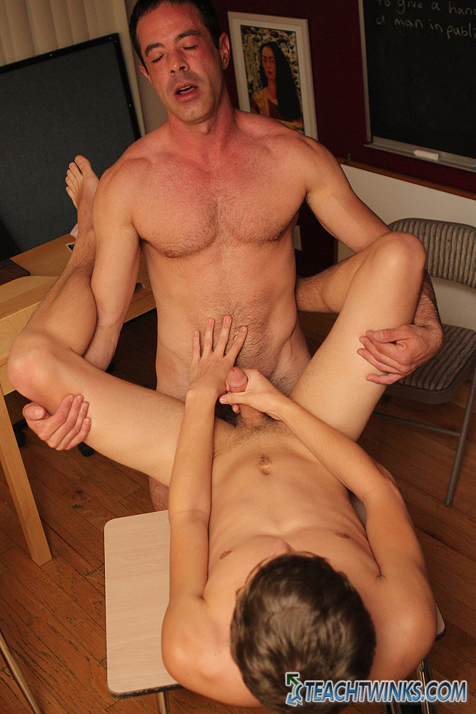 Once his aperture is wet, Blake sits back on his teacher's shlong and rides ...